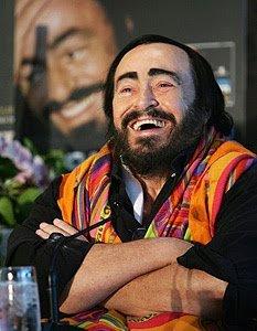 luciano-pavarotti-and-hermes-tohu-bohu-shawl-profile