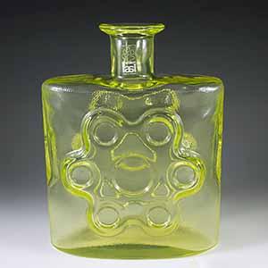 riihimaen_lasi_erkkitapio_siiroinen_uranium_glass_vase_01_th